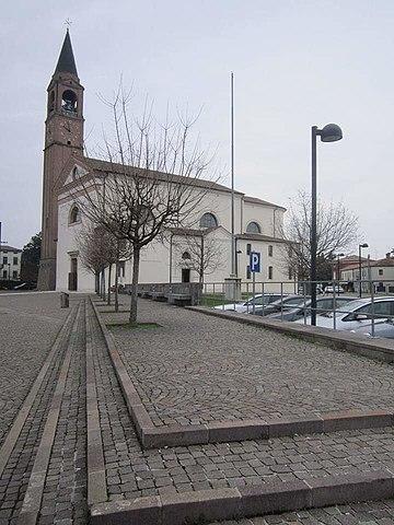 Foto della Chiesa dei Santi Martino e Lamberto ad Arsego, frazione di San Giorgio Delle Pertiche (Padova), dove sono stati celebrati i funerali dei fratelli Francesca e Pietro