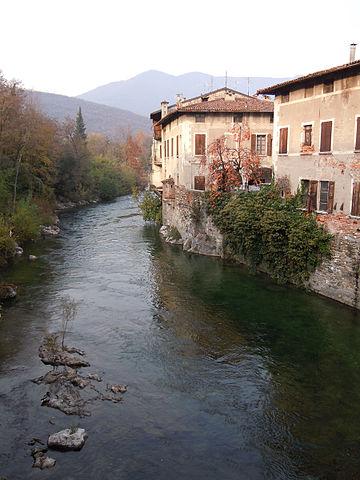 Passaggio del fiume Chiese a Gavardo che attraversa anche i comuni di Prevalle e Villanuova sul Clisi