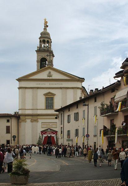 Foto della chiesa Santa Maria Assunta di Curno dove si sono svolti i funerali di Marisa Sartori