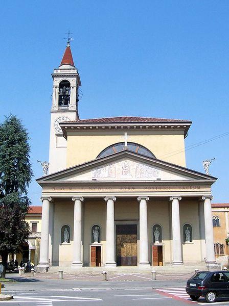 Foto della parrocchia di San Nicolò a Vaprio d'Adda in provincia di Milano dove si sono svolti i funerali di Charlotte Yapi Akassi