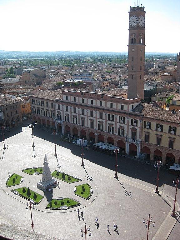 Uno scorcio dall'alto della città di Forlì, scattato dal campanile dell'Abbazia di San Mercuriale in Piazza Aurelio Saffi