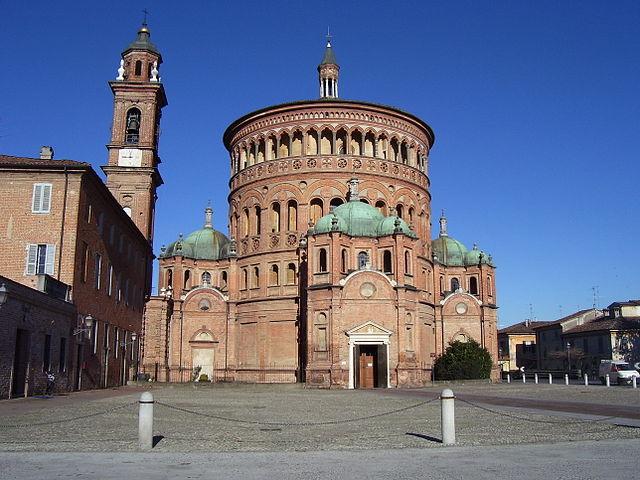 Foto del santuario di Santa Maria della Croce, posto a circa un chilometro di distanza dal centro storico di Crema
