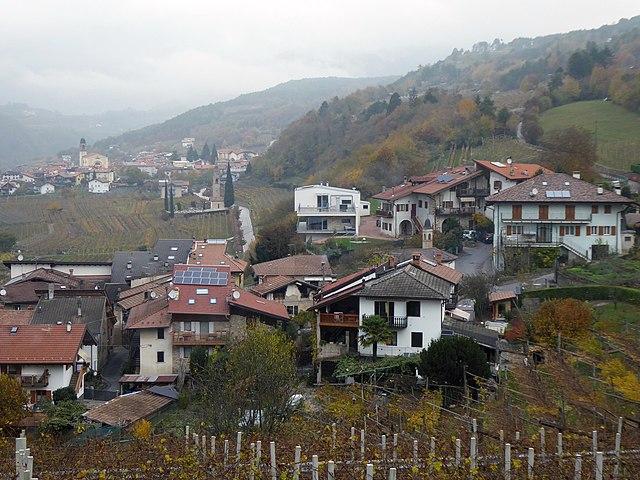Uno scorcio dall'alto di Cortesano, frazione della città di Trento