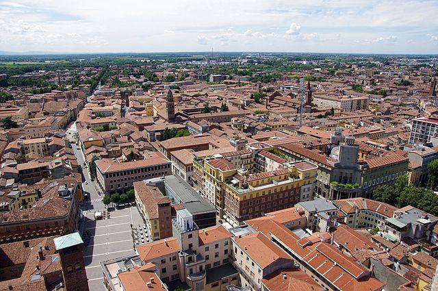 Foto panoramica della città scattata dal Torrazzo di Cremona