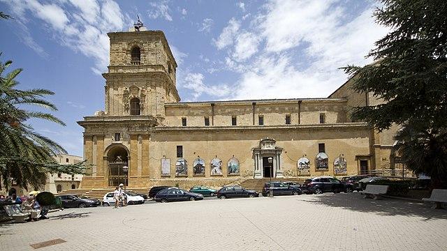Foto del Duomo di Enna dove si sono svolti i funerali di Vanessa Scialfa