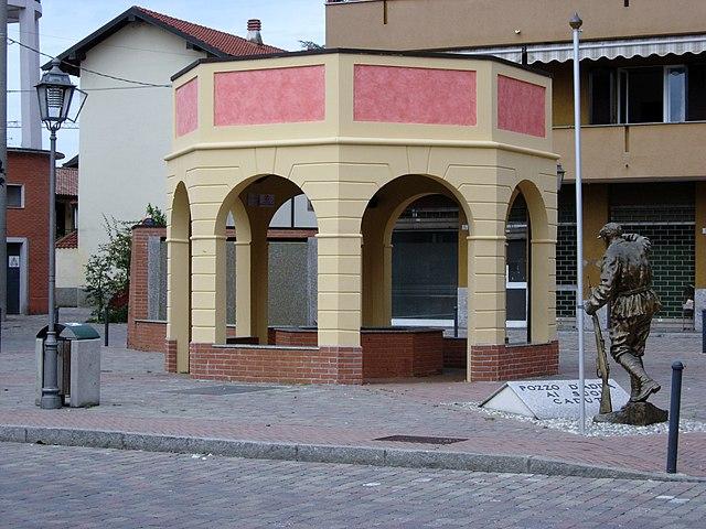 Foto della fontana di Piazza Marconi a Pozzo d'Adda in provincia di Milano