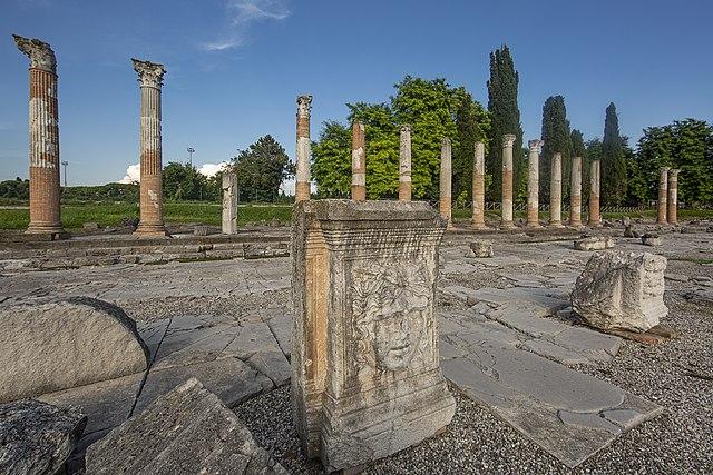 I resti del Foro Romano di Aquileia in provincia di Udine