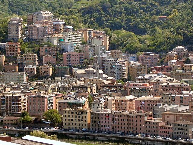 Panoramica dall'alto del quartiere di Certosa a Genova