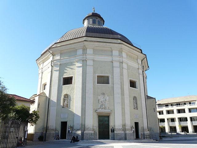 Foto del duomo di San Giovanni Battista a Loano (Savona) dove si sono svolti i funerali di Roxana Karin Zenteno