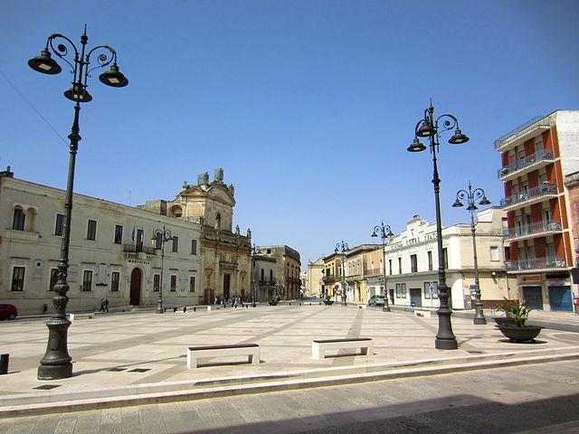 Foto di Piazza Garibaldi a Manduria in provincia di Taranto