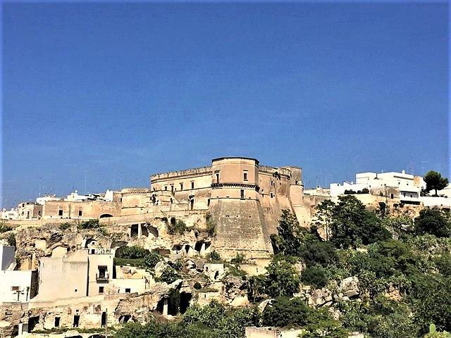 Uno scorcio sul Castello di Massafra, nel territorio della provincia di Taranto