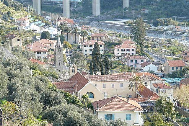 Foto panoramica di Taggia in provincia di Imperia