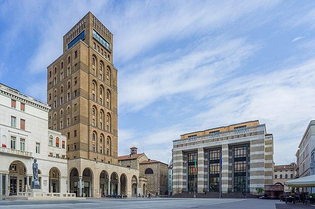 Foto di Piazza della Vittoria, uno dei luoghi più importanti di Brescia
