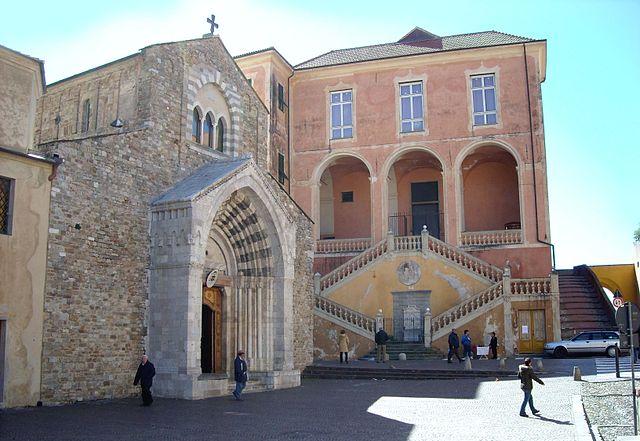 L'ingresso della Cattedrale di Santa Maria Assunta, a Ventimiglia in provincia di Imperia, dove sono stati celebrati i funerali di Sharon Micheletti