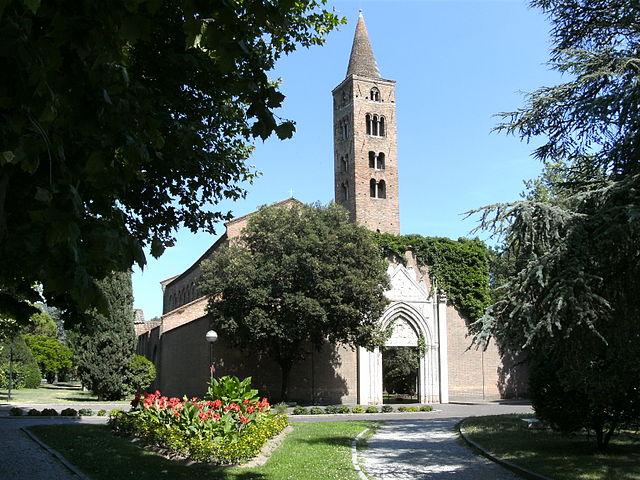 Foto della Chiesa di San Giovanni Evangelista a Ravenna dove si sono svolti i funerali di Giulia Ballestri