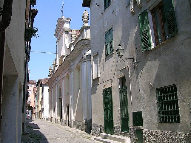 Foto di una via del Borgo Medievale di Arquata Scrivia