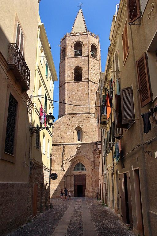 Foto della Cattedrale di Santa Maria Immacolata ad Alghero dove si sono svolti i funerali di Michela Fiori