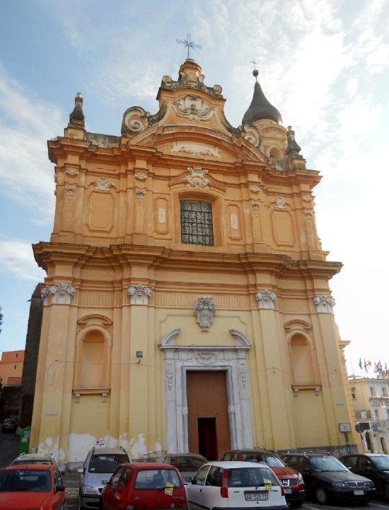 Foto della Basilica Minore Pontificia del Corpus Domini a Maddaloni dove si sono svolti i funerali di Maria Tedesco