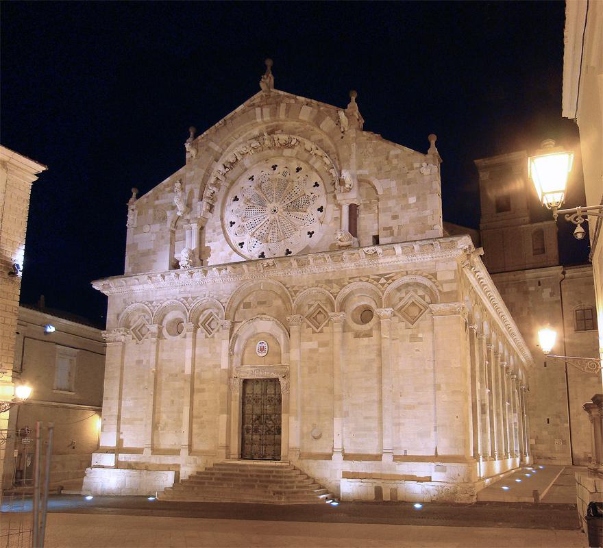 Foto della Cattedrale della Beata Vergine Maria Assunta in Cielo a Troia (Foggia, Puglia), dove si sono svolti i funerali di Federica Ventura