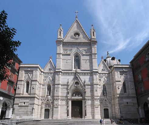 Foto della Cattedrale di Santa Maria Assunta a Napoli dove sono stati celebrati i funerali di Ornella Pinto