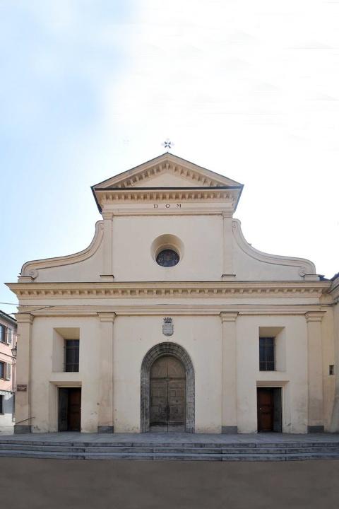 La Chiesa Parrocchiale della Beata Vergine Assunta a Crescentino in provincia di Vercelli dove sono stati celebrati i funerali di Marylin Pera