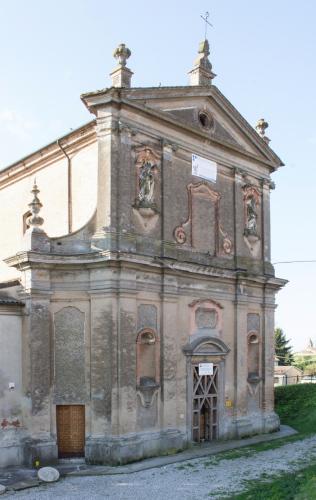 La Chiesa di San Giovanni Battista, poco fuori dal centro di Bondeno, a pochi passi dal luogo del delitto