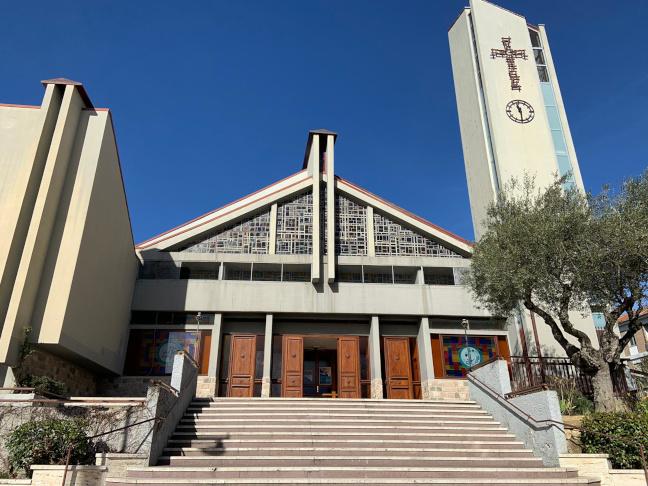 Foto della Chiesa di San Giovanni Bosco a Potenza, di fronte alla piazza omonima dove nel 2011 si svolsero i funerali di Elisa Claps
