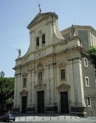 La Chiesa di Santa Barbara a Paternò dove si sono svolti i funerali di Cinzia Palumbo e i due figli