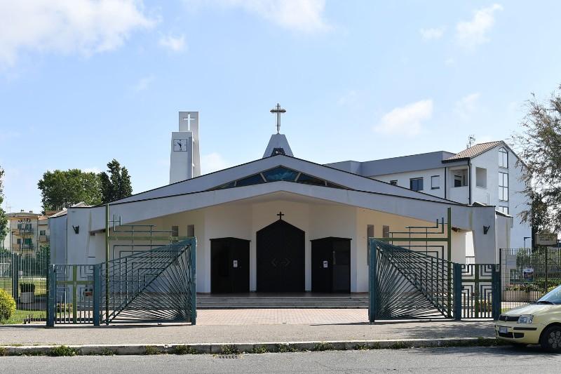 La Chiesa di Santa Paola Frassinetti all'Isola Sacra di Fiumicino dove sono stati celebrati i funerali di Maria Tanina Momilia