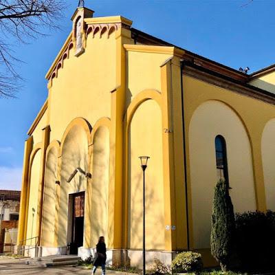 Foto della Chiesa dei Santi Angeli Custodi di Borgotrebbia a Piacenza dove si sono svolti i funerali di Elisa Pomarelli (dell'omonima Chiesa, pubblicata sul canale YouTube)
