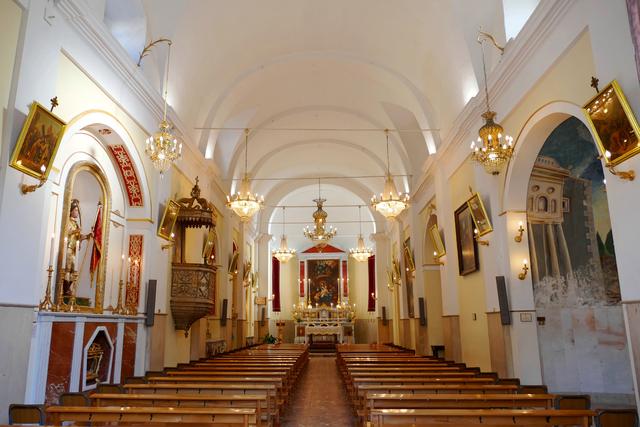 Interno della Chiesa Madre di San Giuseppe di Catenanuova dove si sono svolti i funerali di Loredana Calì.