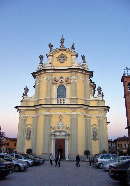 Foto della Chiesa parrocchiale di Santa Maria Assunta a Cologno al Serio dove si sono svolti i funerali di Zinaida Solonari