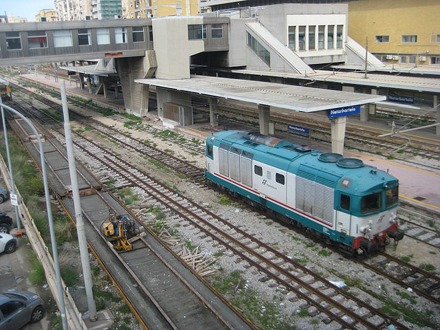 Vista sulla stazione ferroviaria Notarbartolo, a pochi passi dal luogo del delitto in via Antonino Pecoraro Lombardo a Palermo