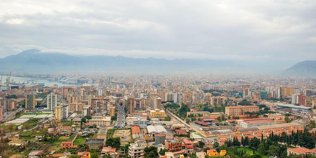 Uno scorcio panoramico dall'alto della città di Palermo
