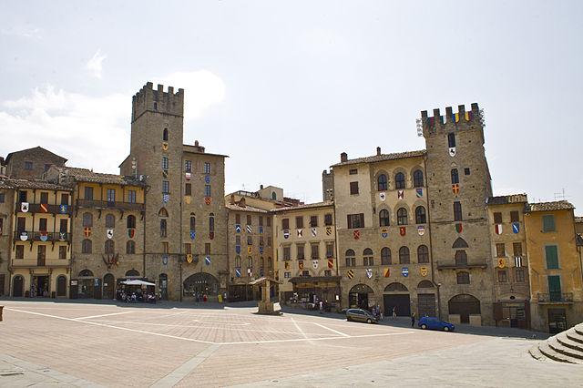 Foto di Piazza Grande, uno dei luoghi più importanti della città di Arezzo