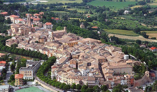 Panorama dall'alto di Pollenza in provincia di Macerata