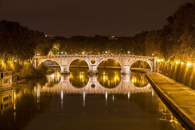 Foto del Ponte Sisto di notte, a pochi passi dal luogo del delitto