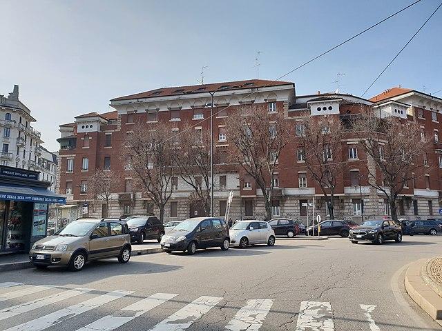 Uno scorcio del Piazzale Lagosta di Milano, a pochi passi dal luogo del delitto
